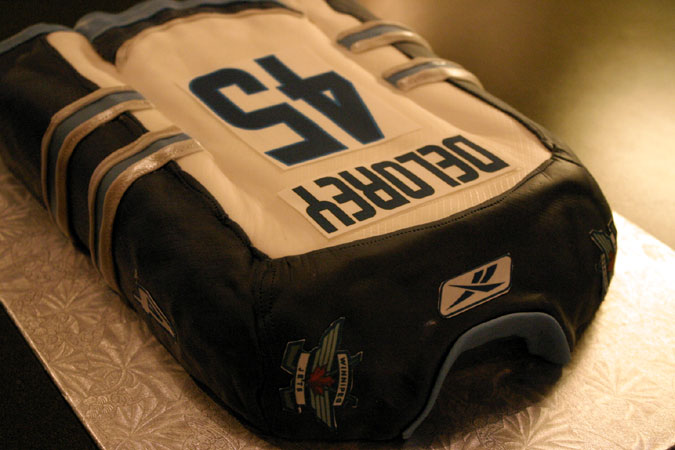 Winnipeg Jets hockey jersey cake