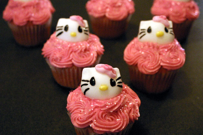 pink miss kitty cupcakes