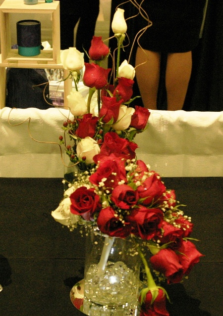 flowing white and red roses bouquet