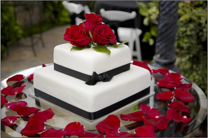 2 tier with fondant roses on top