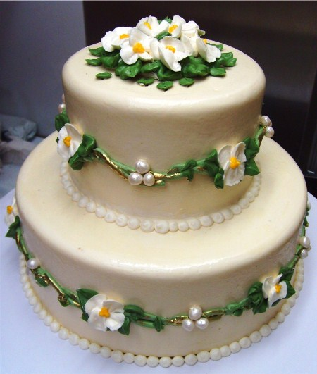 2 tier spring wedding