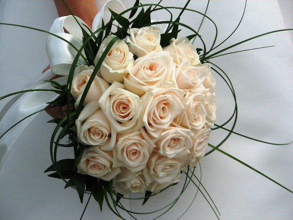cluster white rose bouquet